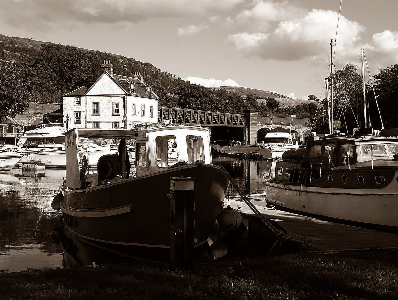 Bowling, Forth and Clyde Canal (Scotland) canal marina