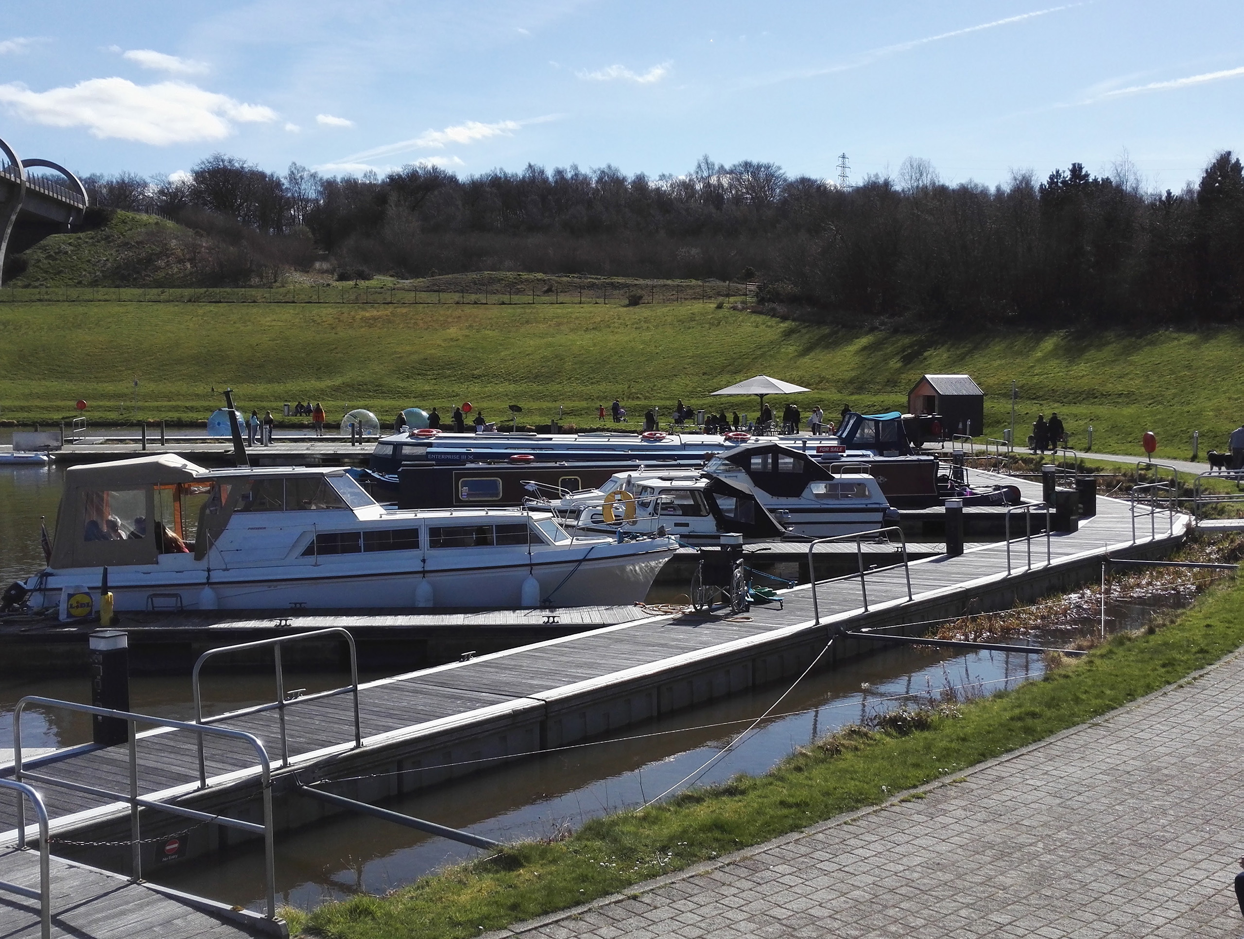 The Falkirk Wheel - yacht marina