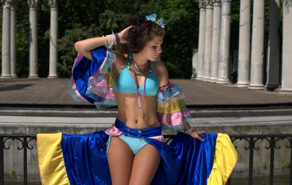 Olivia – dancer, photo session no2 in Wilanow Park